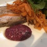 87363798 - 前菜のラパンと豚肉のパテ。