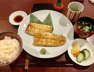 小川菊 - 白焼¥3100とお食事セット¥400