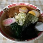 嵐 - 料理写真:野菜なしラーメン(醤油)、味玉トッピング