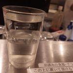 立呑み 晩杯屋 - 日本酒250円