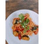 食堂 サジロ - パスタは週で変わります‼︎写真は、ベーコンとナスの県産トマトパスタです!