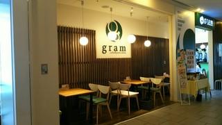カフェ&パンケーキ gram ミント神戸店