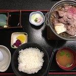 関所の湯 - 料理写真:「常陸牛のすき焼き膳 」1350円