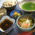 磯 - 磯定食 735円
