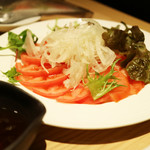 飛騨牛一頭家 馬喰一代 名古屋WEST - 「トマトとオニオンのシンプルサラダ」