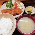 いちかわ - ランチカツ定食は、なな、ナンと750円!
