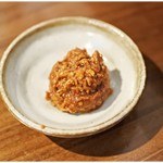 RAMEN GOTTSU - 更なる旨味をもたらす辛肉玉。