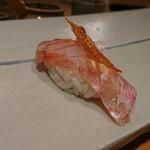 87400897 - 金目鯛…パリッと焼かれた皮と一緒に!