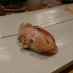 鮨 あずま - 煮蛤!半生に近いんかな?柔らかくてとろけるのだ!
