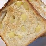 グルマンヴィタル - 石窯チーズ食パン 1/2  360円(税別)