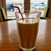パネルカフェ - ドリンク写真:アイスカフェラテ(氷少なめオーダー) 400円