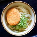 麺通堂 - 料理写真:コロッケうどん(かけうどん+コロッケ)