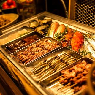 腕利き料理長の目利きで選ばれた全国各地からの新鮮な食材たち!