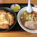 かつや食堂 - カツ丼セット(小醤油ラーメン) 950円