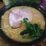 麺処謹ちゃん - ラーメン並。¥700