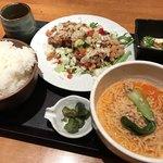 87412836 - 油淋鶏と冷やし担々麺