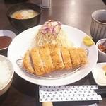 87414105 - ランチロースカツ定食1080円 ご飯小