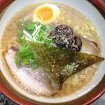 """食""""留麺 - しょうゆ豚骨"""