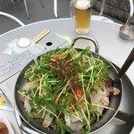 炎のプルコギ伝説ベータ - プルコギ鍋、今日みたいに涼しければまだいいが真夏もコレを出すのかな?肉は食えたもんじゃない!