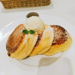 Shiawasenopankeki - 看板メニューである幸せのパンケーキ 1100円(税込)