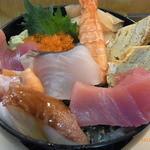 中乃見家 - 具だくさん海鮮丼