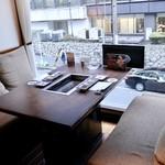 李昇 - お気に入りの2階の窓際個室