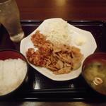 87428393 - 豚のしょうが焼き鶏の唐揚げ定食¥750-