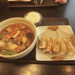 五味八珍 - 料理写真:五目らーめんと餃子