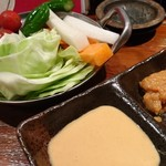 飯°駄 - お通しの野菜は新鮮でおいしかったです♡