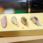 北海寿司 うに丸 - カンパチ、シマアジ、イワシ、炙り〆鯖