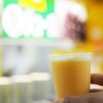 阪神梅田駅ジューススタンド - ミックスジュース(ちょっと飲みました)