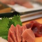 ひょうたん寿司 - おつくりで、マグロ2種