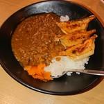 87438396 - 餃子カレー。