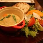 クレープリースタンド・シャンデレール - 本日のココット(鶏のシードル煮)