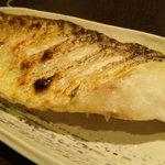 海鮮旬魚 悠 - 白甘鯛の塩焼き