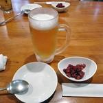 チヂミ - 生ビール(ひと口飲みました)& お通し