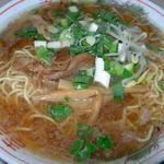 87449670 - ラーメン                                      (2010年)                                        この頃のややクセのあるスープのほうが個人的には好みでした。