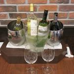 Red&Black SteakHouse  - グラスのワイン達