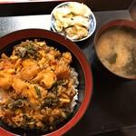 立花 - かき揚丼(900円)