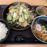 登竜 - 肉入り野菜炒め定食