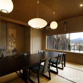 美しい余呉湖の景色を存分に堪能できる居心地の良い部屋