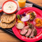 シャッツ - 『Meat&Three』お肉料理1品+前菜3品