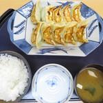 87454722 - W餃子定食  1080円                       (餃子10ヶ・ご飯・味噌汁)