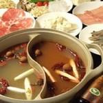チャイナスクエア - 贅沢でリーズナブルな火鍋料理