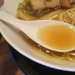 麺や食堂 - 澄んだスープ