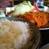 とん國 - 料理写真:B定食 にんにくロースカツ ¥1400