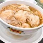 Ho Hung Kee - 料理写真:海老ワンタン麺