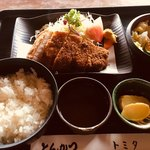 とんかつトミタ - ロースカツ定食
