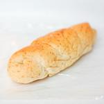 ベーカリーキッチン ラッグルッピ - 胚芽の塩パン