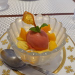 ビストロ ダイア - ブラッドオレンジのソルベとパンナコッタ